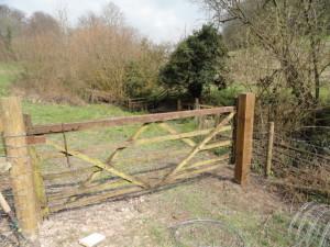Rehanging gate